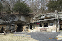 Bluff Dwellers Cavern, Noel, United States