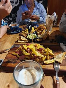 Manu Resto Cafe 7