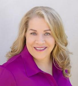 Entertainment Lawyer Dinah Perez