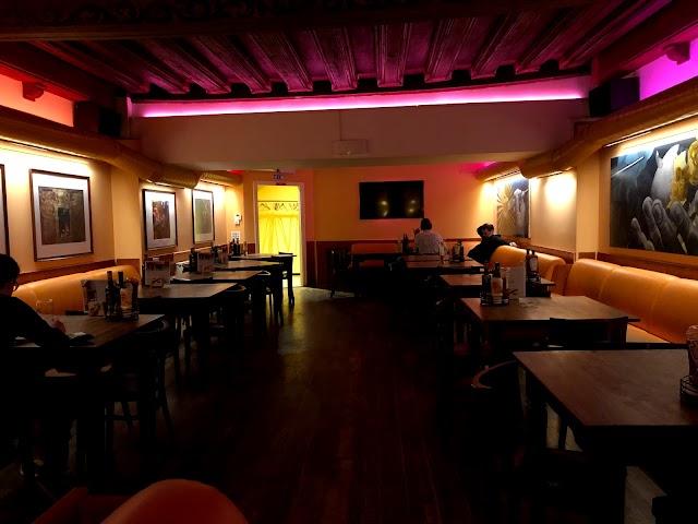 Cafe Bar Walker