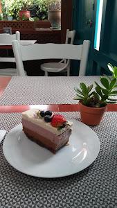 Raw Café 9