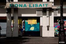 Mona Lisait - Livres Neufs a Prix Reduits, Paris, France