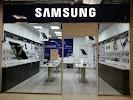 Фирменный магазин Samsung, Большая улица, дом 80 на фото Хабаровска