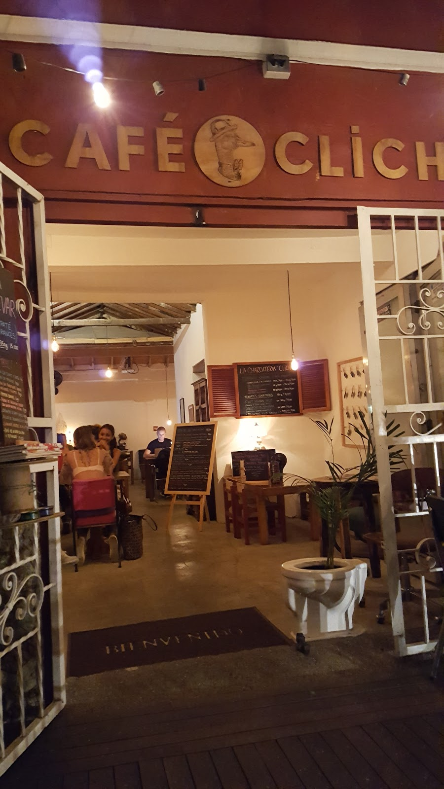 Café Cliché: A Work-Friendly Place in Medellin