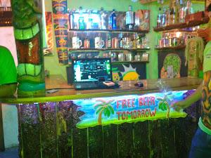 Aborigenes Tiki Bar 0