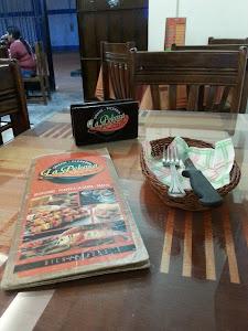 Snack Pizerria La Pekosa 1