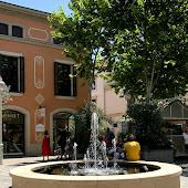 Станция   La Roca Village
