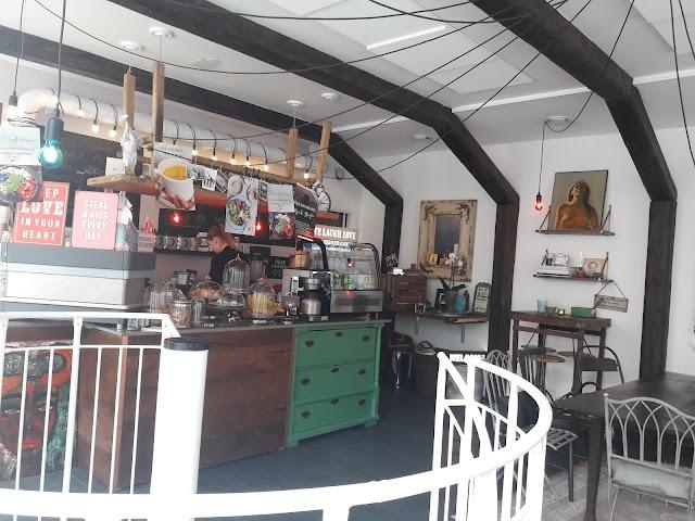 Olga's Coffee & Simple Pleasures