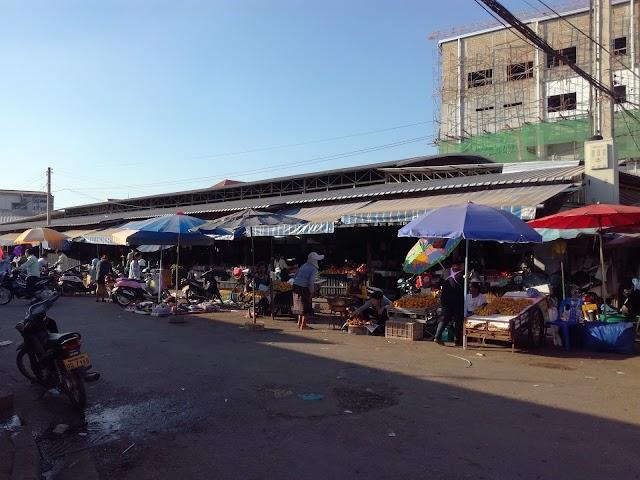 Thong Khan Kham Market