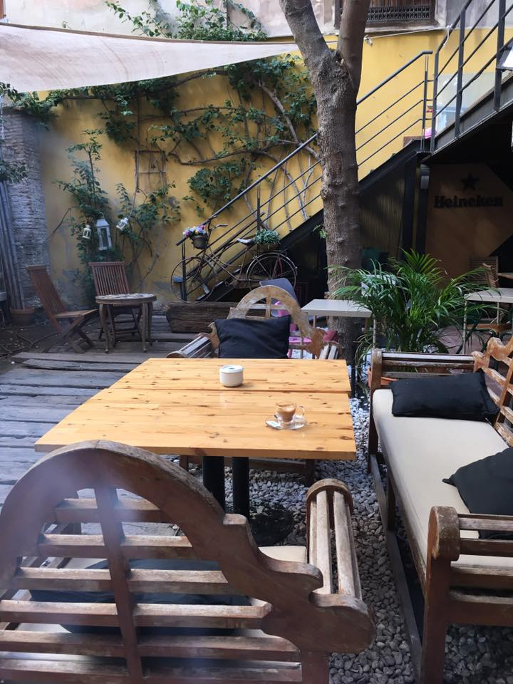 Wayco Red Cafe: A Work-Friendly Place in Valencia
