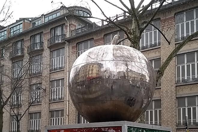 La Quatrieme Pomme, Paris, France
