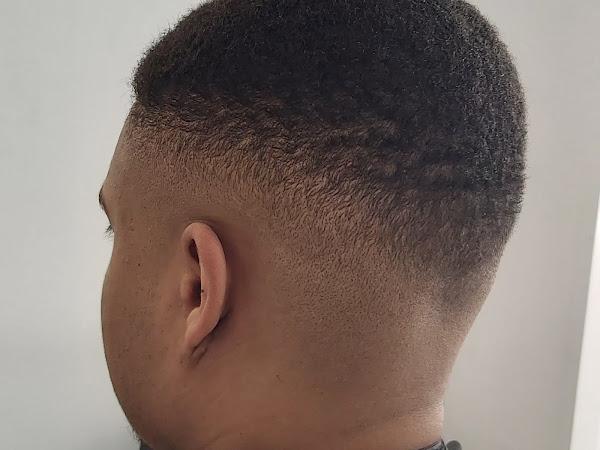 Samo Wood Barbershop T Queen Hairsalon
