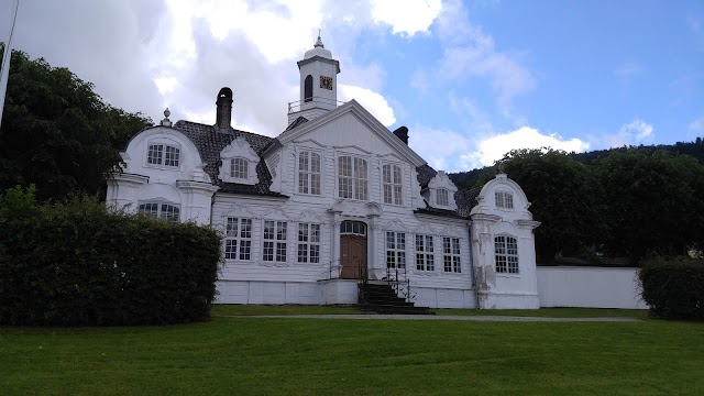 Damsgaard Manor