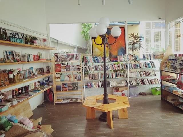 Vesta Bookstore