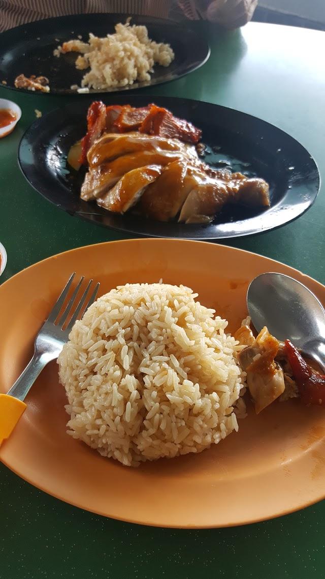 Hong Kong Soya Sauce Chicken Rice Noodle