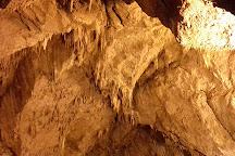 Grotta di Val De' Varri, Pescorocchiano, Italy