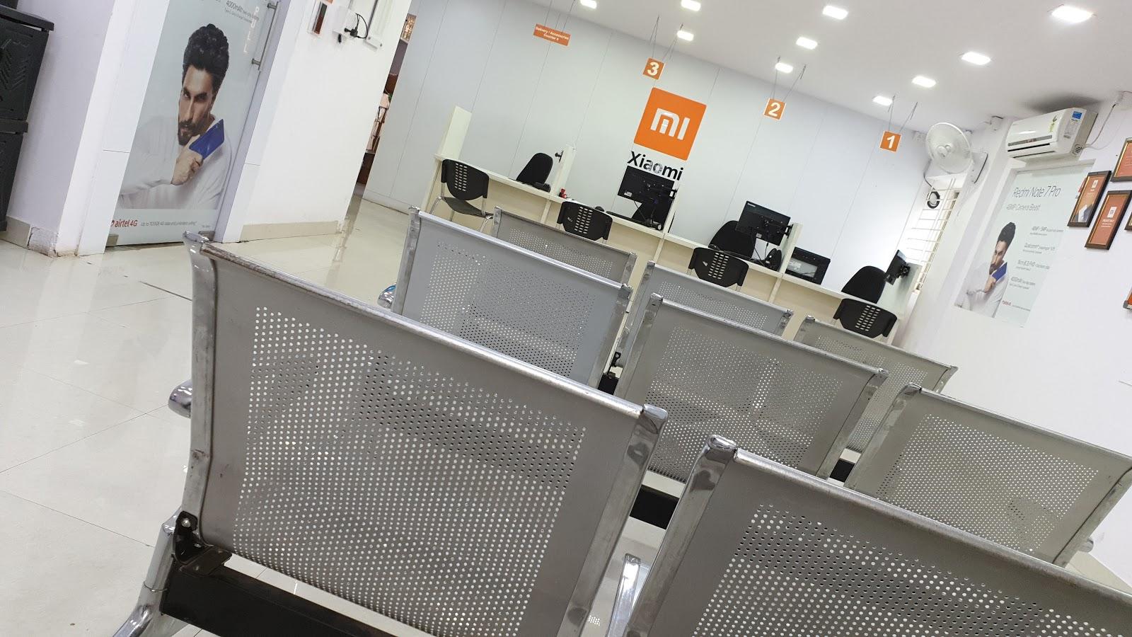 CMH RD, Indranagar, Bangalore (Multi Brand Service Center)