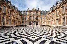 Universal Tour Guide, Paris, France