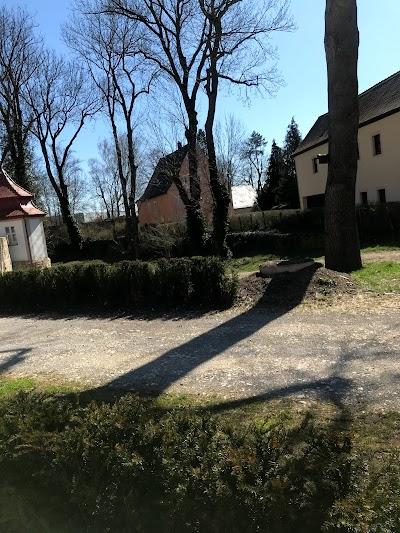 Biergarten Am Stadtschloss Herrieden Regierungsbezirk Mittelfranken Bavaria 49 1573 9417160