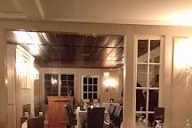 Mooncussers Tavern, Harwich Port, United States