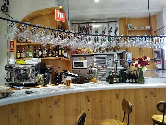 Cervecería Vinoteca La Pajarería