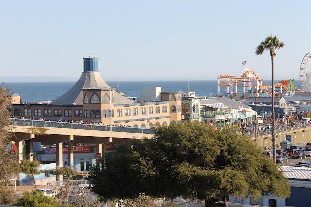 SanaMonica pier, California