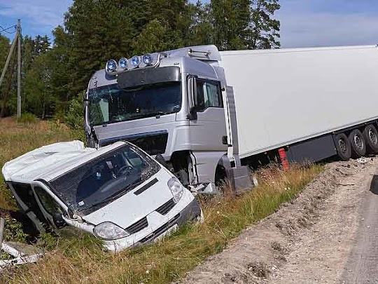 Truck and Car Wrecks Result In Personal Injury Lawsuits