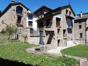 Casa Dieste. Apartamentos Turísticos en Boltaña