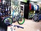 Продажа, ремонт велосипедов, сноубордов, лыж, велозапчасти, прокат велосипеда, улица Серова, дом 13 на фото Омска