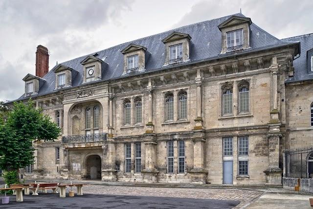 Château royal de Villers-Cotterêts (1532)