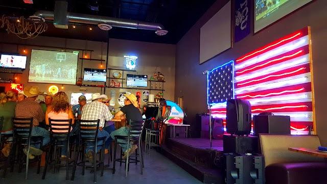 Landmark Bar & Kitchen Fort Worth