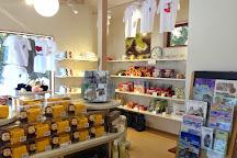 Snow Monkey Resorts Info & Gift Shop, Yamanouchi-machi, Japan