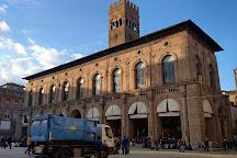 Piazza Maggiore, Naggio, Italy