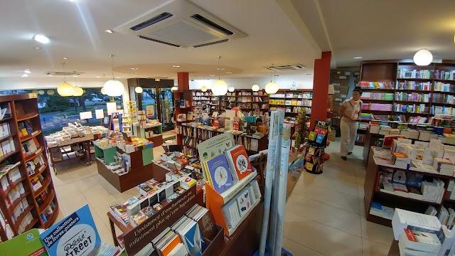 Librairie Point de Côté Suresnes