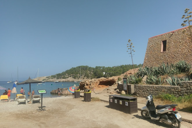 Visit Cala Saladeta on your trip to Sant Antoni de Portmany
