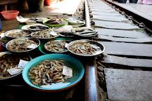 Maeklong Railway Market (Talad Rom Hub), Samut Songkhram, Thailand