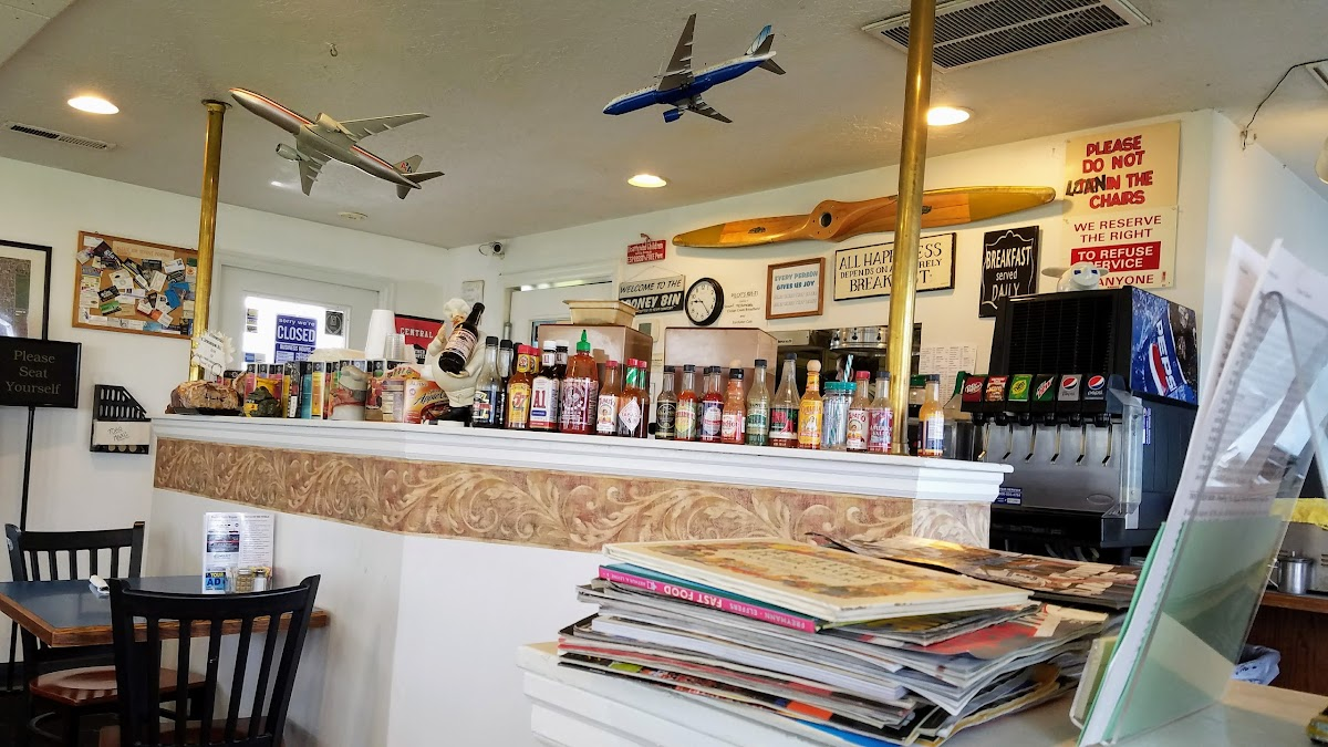 Starduster Cafe 4705 Airport Rd Image