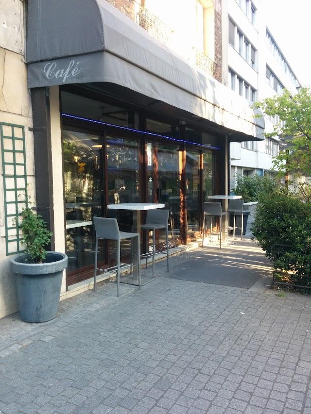 Coti's Café Le