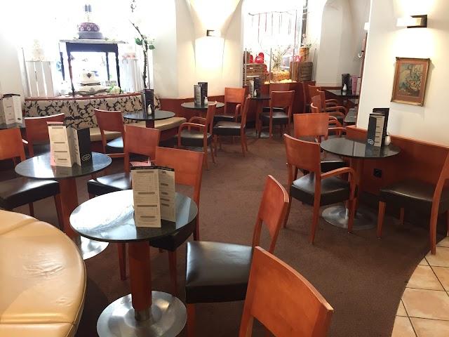 Cafe  Simon