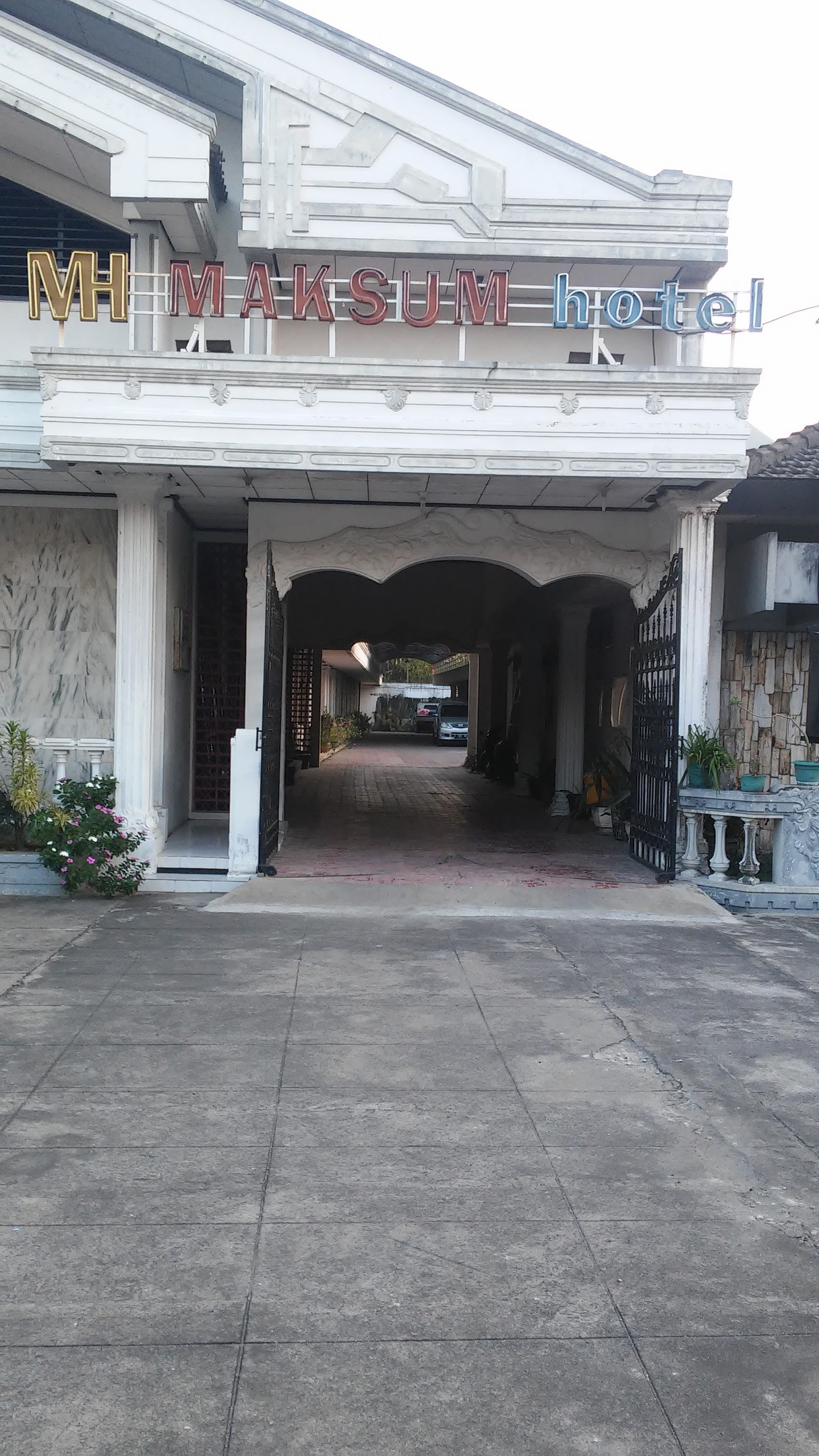 Hotel Maksum