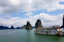 Secret Halong Cruise, Halong Bay, Vietnam