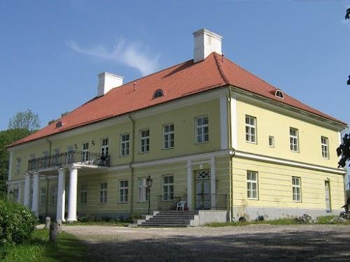 Saadjärve manor