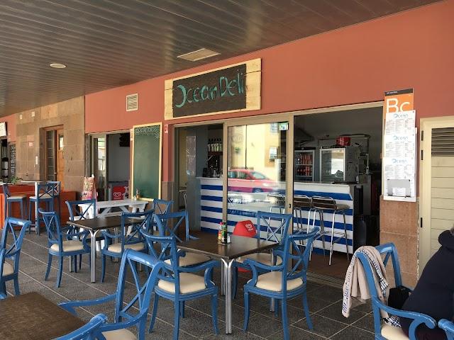 Leo's Beach Bar