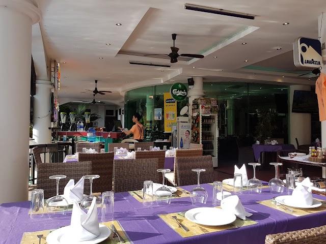 Cococlub Restaurant Brasserie Cafe