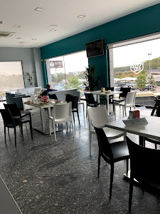 Complejo Leo 24H Restaurant