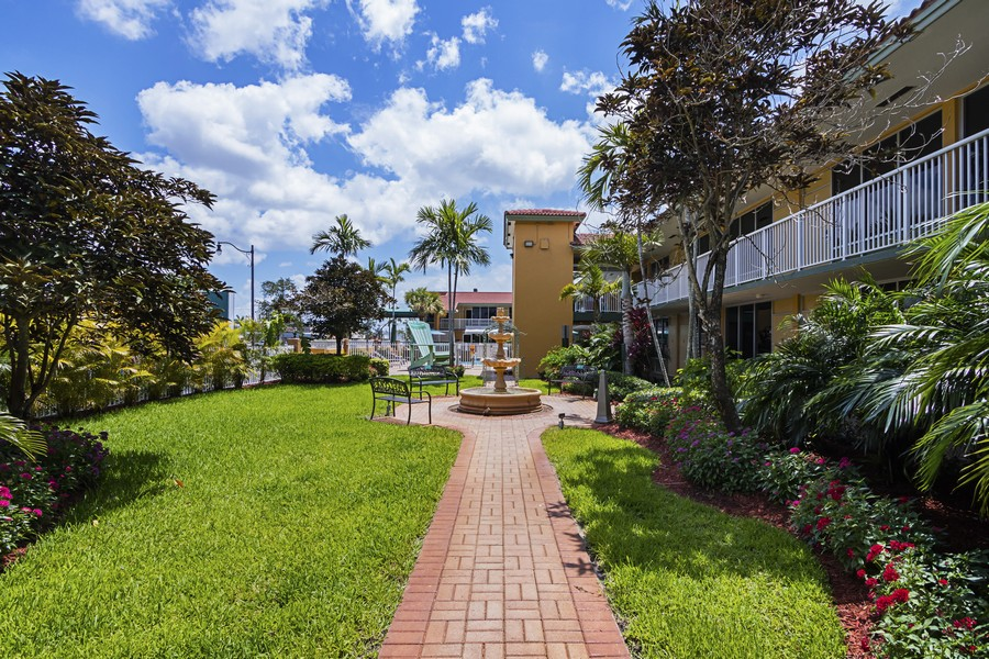 Quality Inn & Suites Hollywood Fort Lauderdale Cruiseport