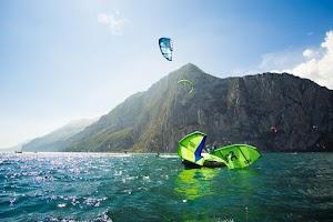 AVID Kiteboarding - Kiteschule Gardasee