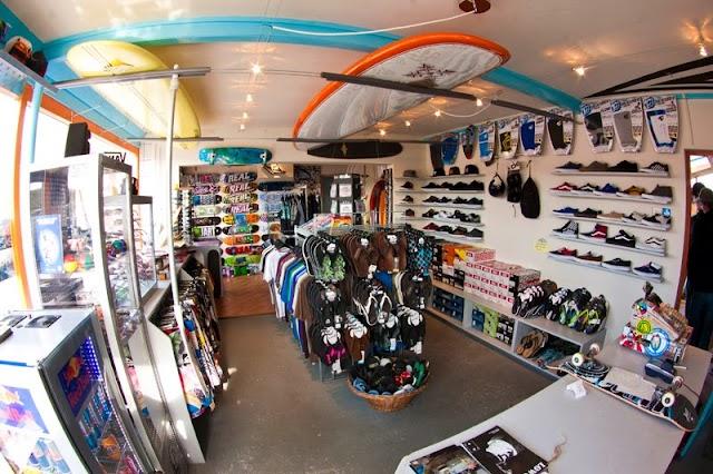 Dreams Shop & Surfcafe