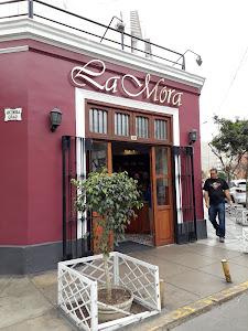 La Mora Patisserie & Café 2