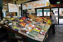 Flohmarkt am Naschmarkt, Vienna, Austria
